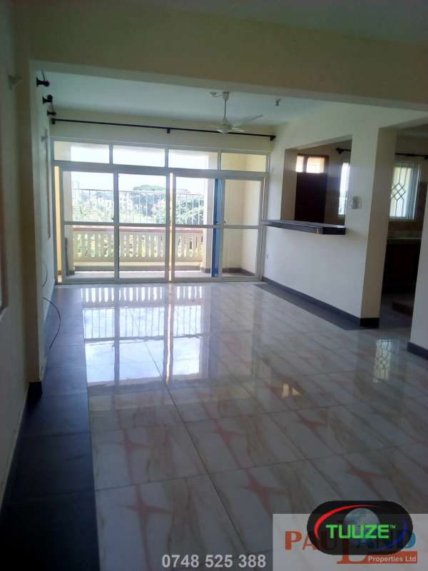 3 Bedroom Apartment  Master En suite  Nyali D8