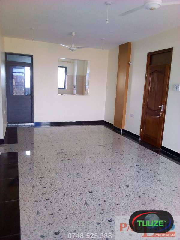 3 Bedroom Apartment  Master En suite  Nyali J2