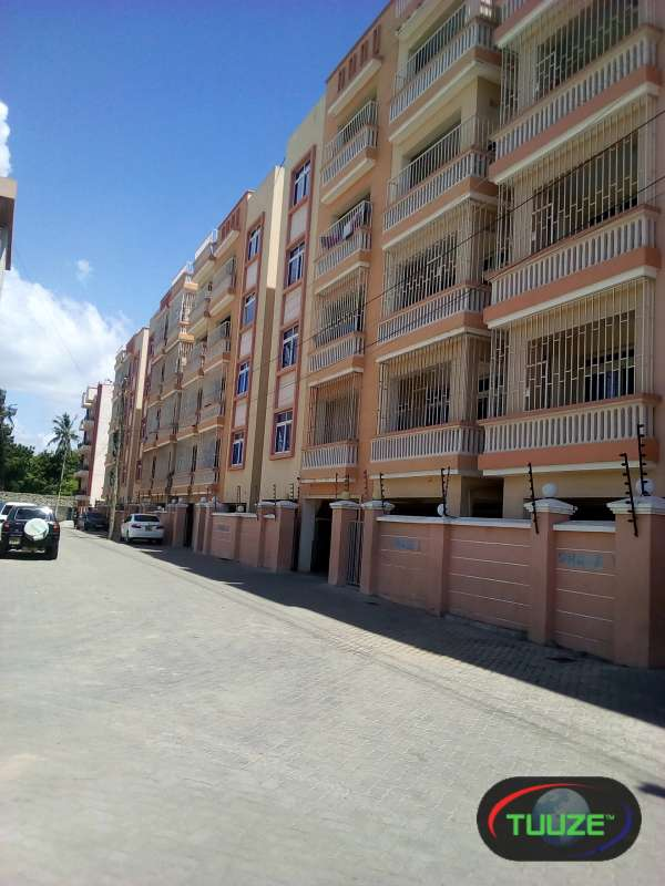 3 Bedroom Apartments  Master En suite  Nyali P6