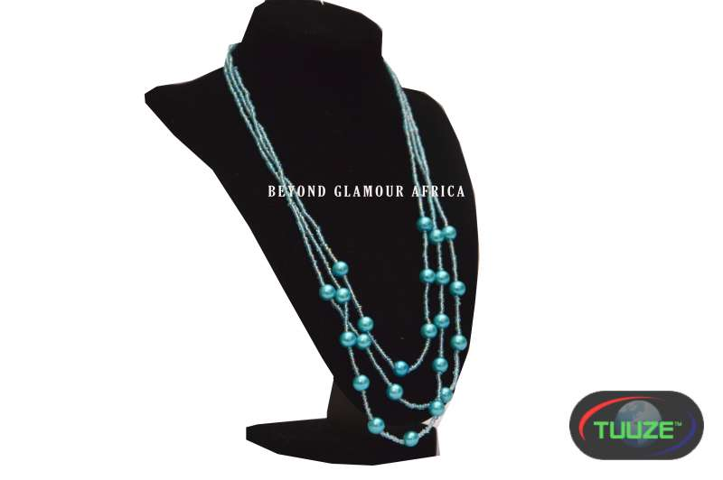 Blue Tripple Pearl Necklace