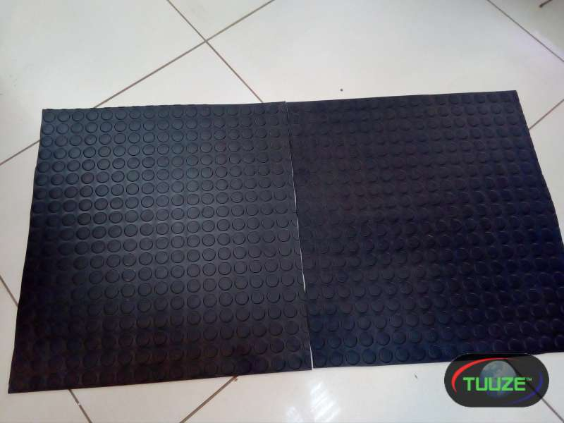 round stud rubber tiles